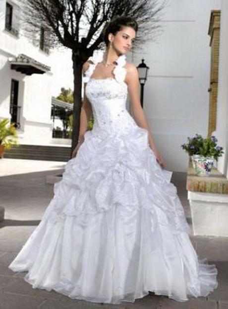 Abiti Da Sposa E Cerimonia Di Belen Rodriguez Pictures to pin on ...