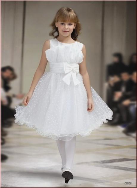Non esitare, approfitta di questa selezione di vestiti da bambini per rimpinguare il guardaroba delle tue figlie o per fare un bel regalo. E ricorda: tu sarai felice per l'ottimo acquisto, le bimbe lo saranno perché potranno sognare ad occhi aperti!