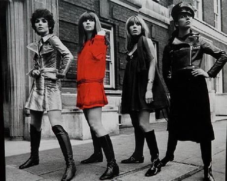 Abbigliamenti anni 70 for Carta da parati anni 70 vendita on line